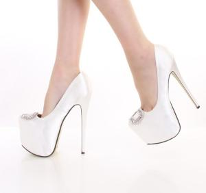shoes-heels-rk-manolawhite_3A