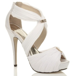 wedding-shoes-heels-photo