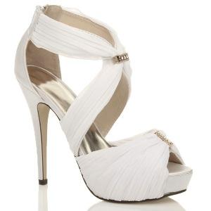 wedding-shoes-heels-photo